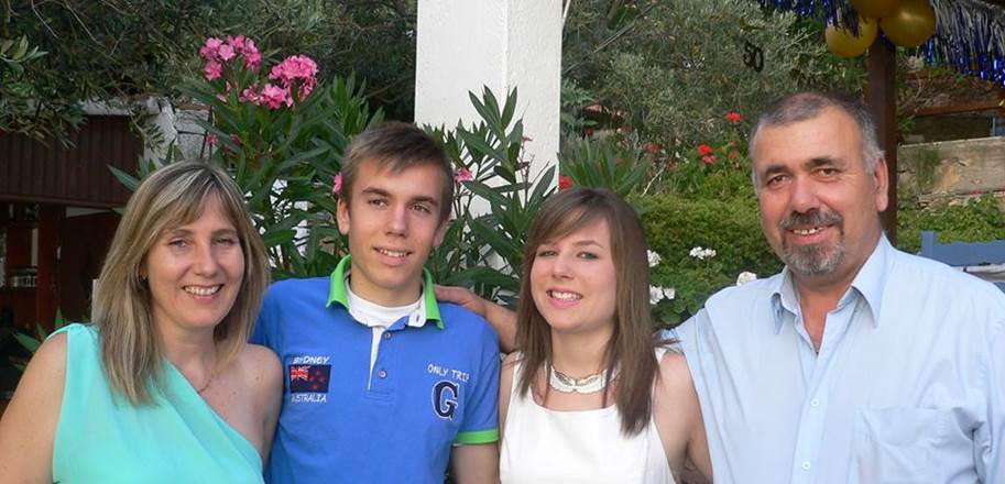 Picture of Ria and family